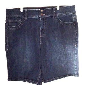 Lane Bryant Bermuda jeans shorts size 18